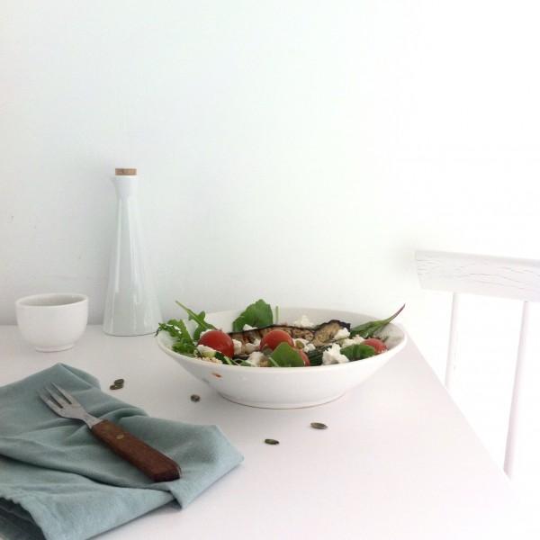 Salade gegrilde aubergine, geitenkaas