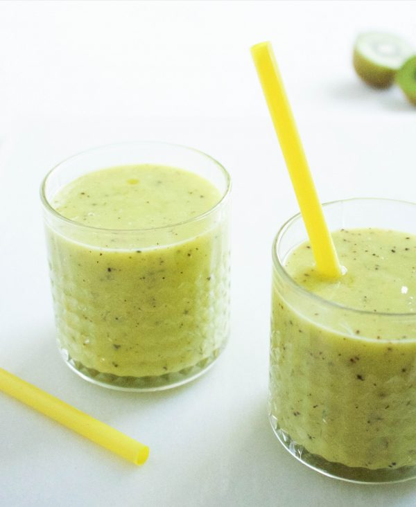 mango-kiwi smoothie
