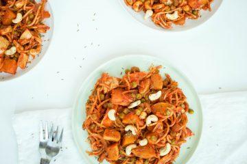 Spelt pasta met pompoen-tomatensaus