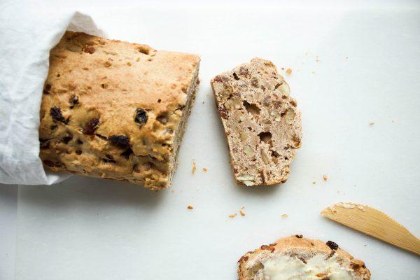 noten-rozijnenbrood