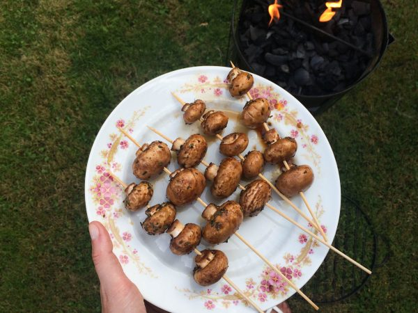 gemarineerde champignonspiesjes