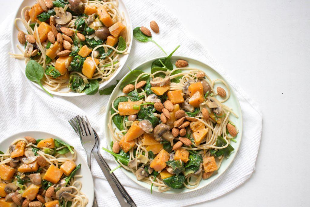 Herfst pasta pompoen champignons