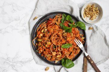 spaghetti paprika-walnoten saus