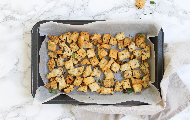 Zelfgemaakte Spelt Croutons Met Italiaanse Kruiden Feelgoodbyfood