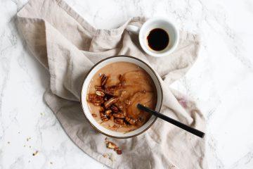 banaan-espresso bowl pecannoten