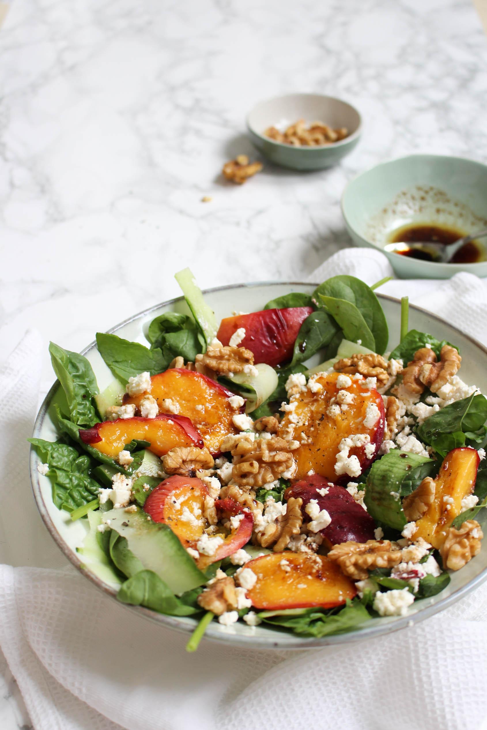 gegrilde perzik salade