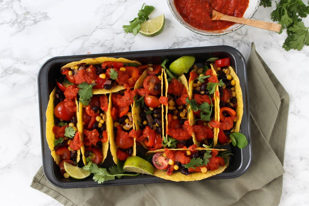 Mexicaanse taco's spicy tomatensaus