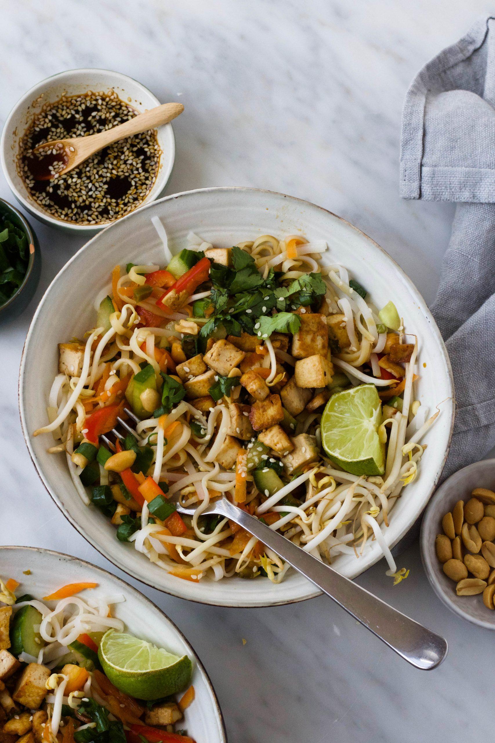 met tofu, pinda en soja-