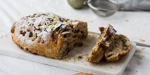 Kerstbrood rozijnen vijgen noten