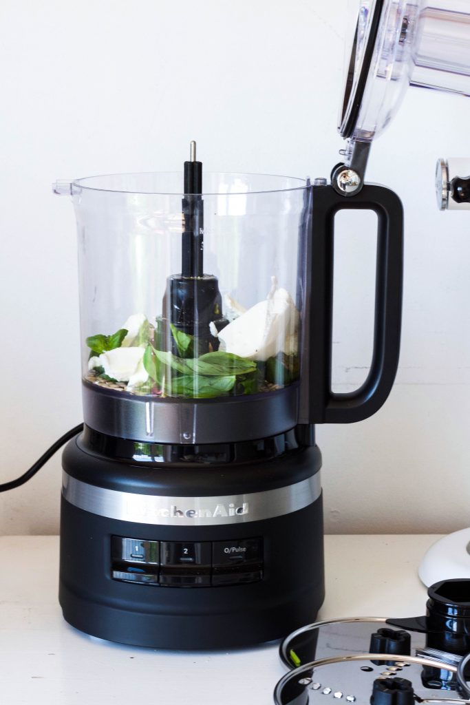 Courgetti met ricotta pesto met Kitchenaid foodprocessor