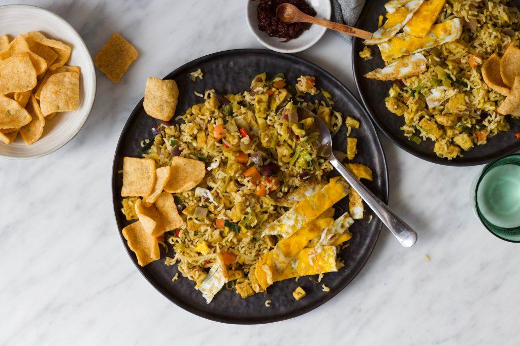 vegetarische nasi tempeh ei