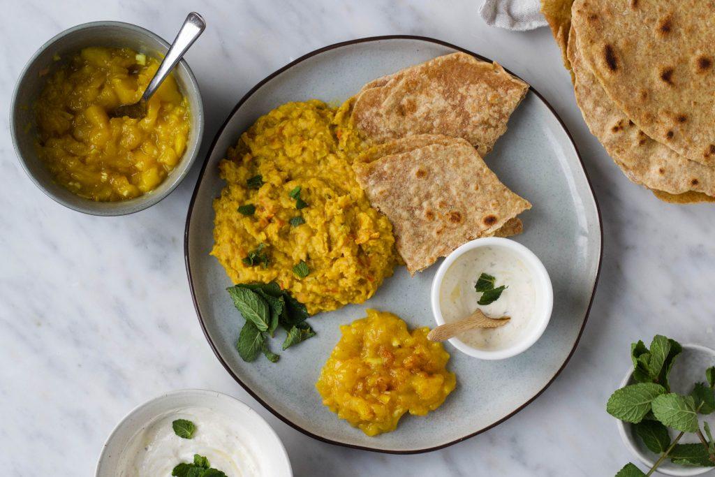 Indiase dahl brood chutney