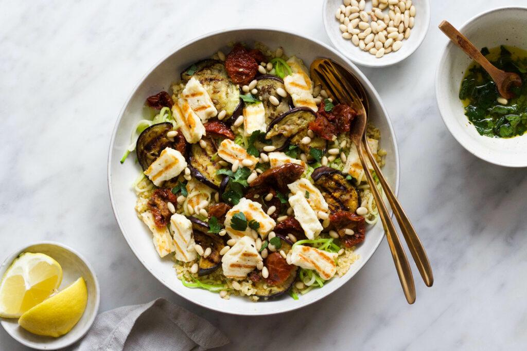 Aubergine halloumi salade